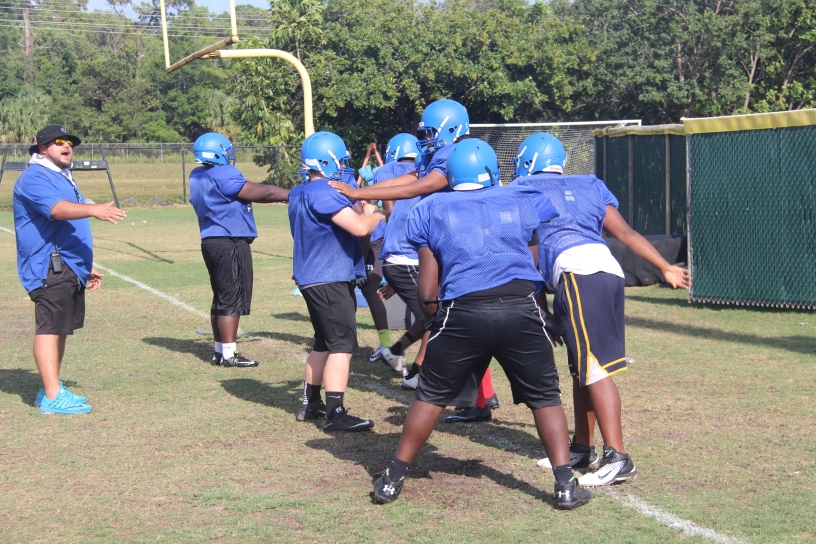 fc566761 Coral Springs High School football team holds spring practice ...